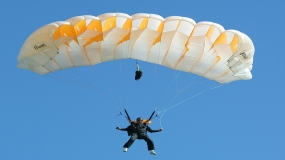 Skydiver with Alzheimer's disease