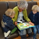 Children interacting with their grandma who has Alzheimer's